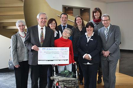 """Mitarbeiter Spenden an """"Zeit teilen e.V."""" - die Freizeitassistenz für Menschen mit Behinderung"""