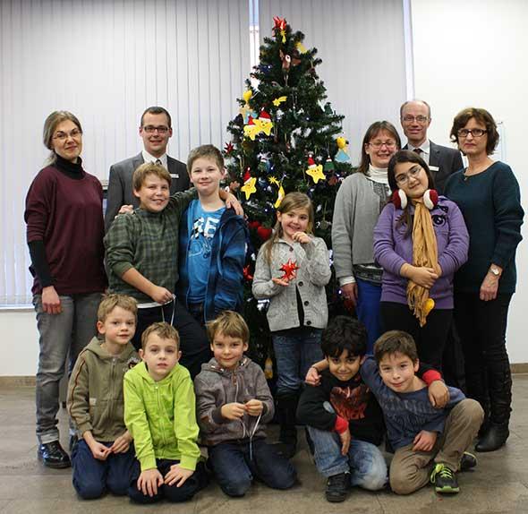 Weihnachtsbaumschmücken in Mannheim-Neckarau
