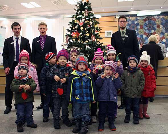 Weihnachtsbaumschmücken in Friedrichsfeld