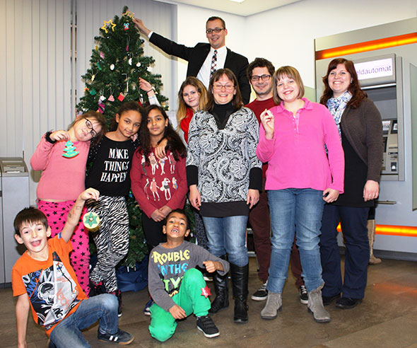 Weihnachtsstimmung in der VR Bank-Filiale in Neckarau