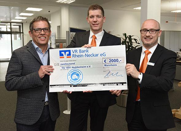 VR Bank Rhein-Neckar unterstützt internationales Schwimmturnier Hedint in Heddesheim