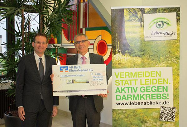 VR Bank unterstützt Stiftung LebensBlicke