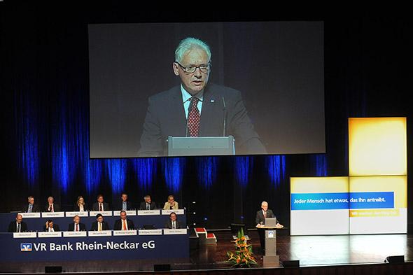 Vorsitzender des Vorstands Dr. Wolfgang Thomasberger