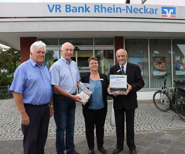 VR Bank spendet an Lebenshilfe Mannheim
